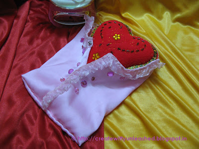 Embroidered Valentine Felt heart2