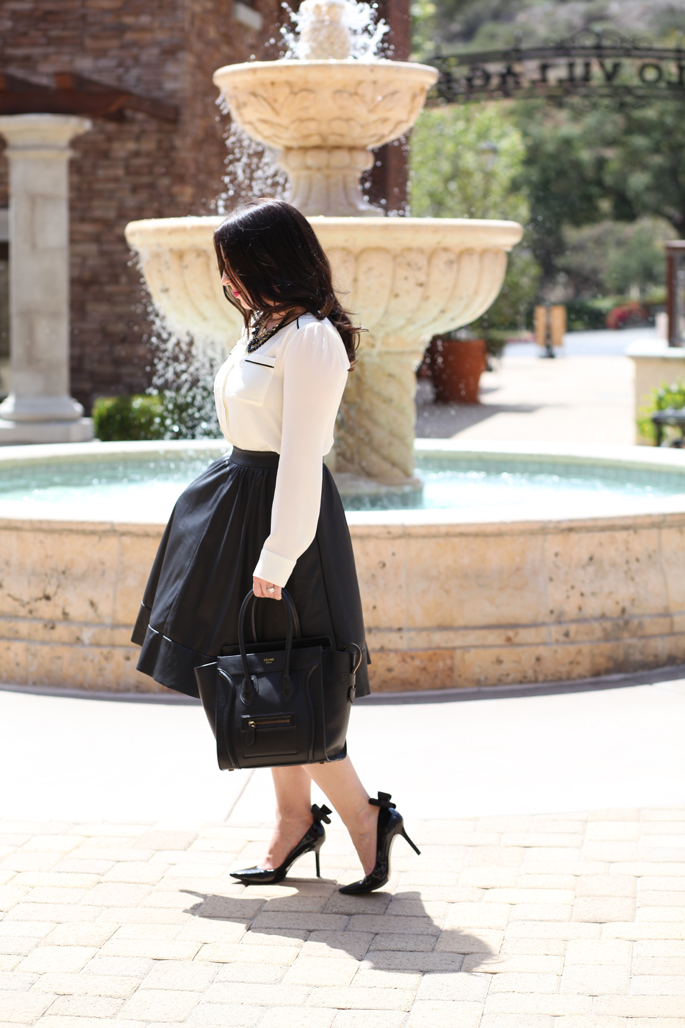 le-tote-full-leather-skirt-shoelery-bow-shoe-clips-nine-west-pumps-celine-fashion-blogger