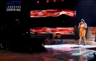 Download + Video Regina Idol De Javu - Beyonce | Grand Final Indonesian Idol 30 Juni 2012