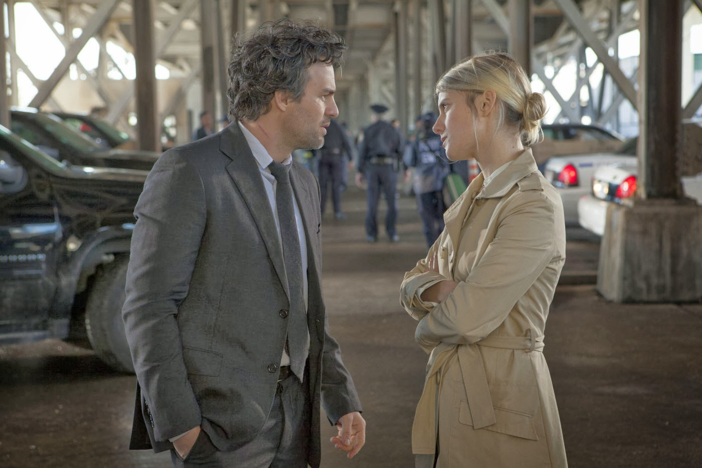 Mark Ruffalo and Mélanie Laurent in Now You See Me