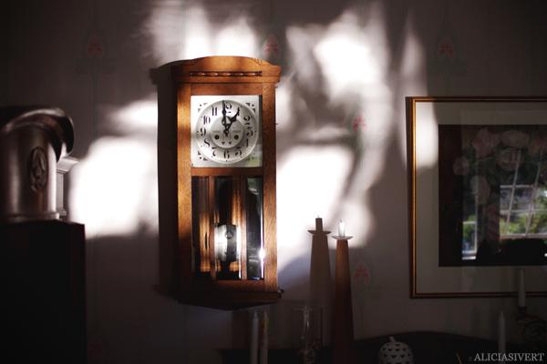aliciasivert, alicia sivert, alicia sivertsson, klocka, clock, home, hem, rum, room, interior, interiour, interiör, inredning, ljus