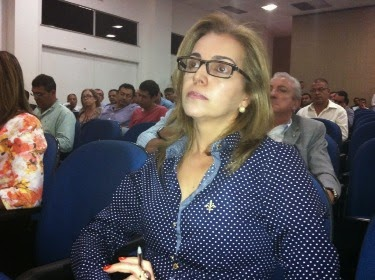Justiça cassa mandato da prefeita de Floresta Azul
