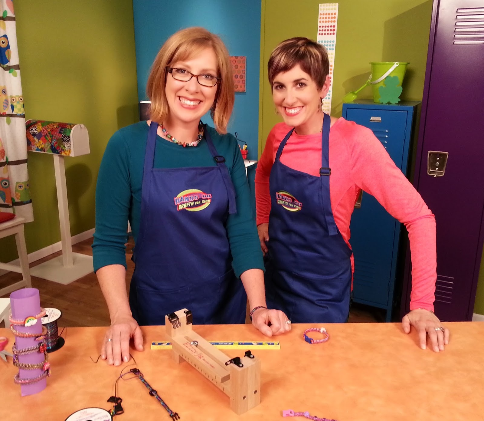 Katie Hacker & Candie Cooper making bracelets - Photo courtesy of Hands On Crafts