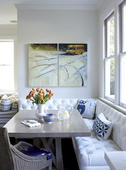 Banquette seating dining room kitchen table pedestal modern traditional pillows alcove white - Banquettes in kitchens ...