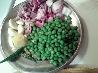 green-peas-pulao-perfect-lunch-box-step-1