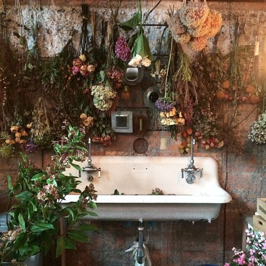 Sweet vintage of mine a vintage sink and flowers for Pagan decorations for the home