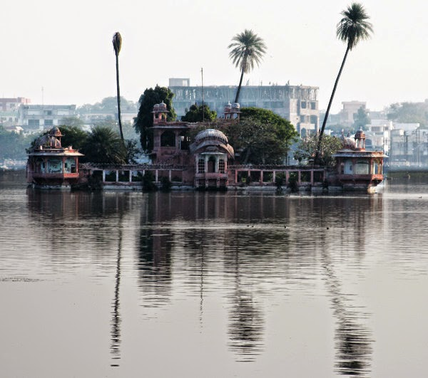 Jagmandir_Palace