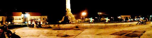 http://2.bp.blogspot.com/-46apvxGU9Zc/TjA6E-L4hmI/AAAAAAAADVI/DlPaFRpEicE/%252523mobilephoto-tugu-muda-semarang.jpg