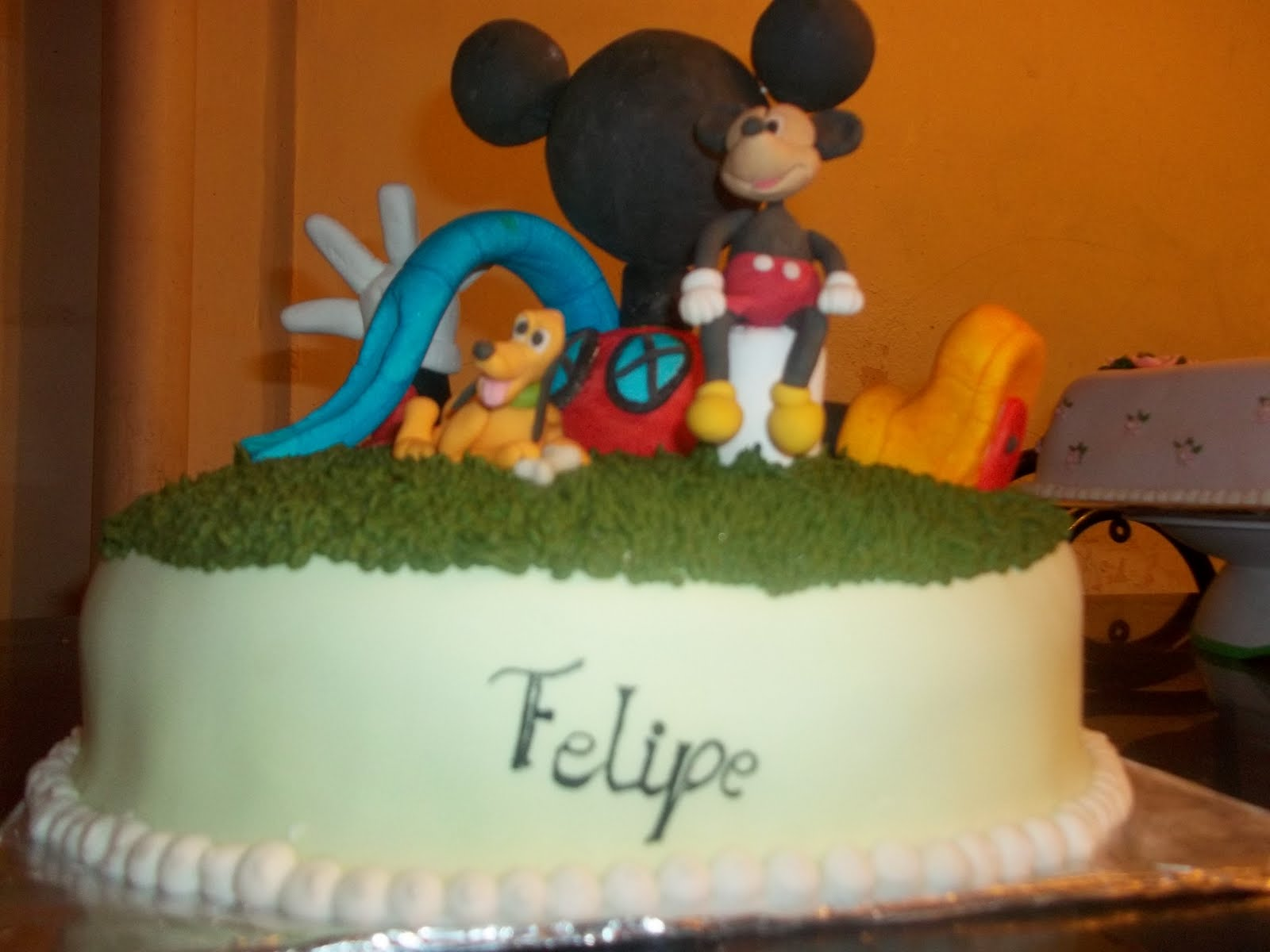 PEDAZO DE TORTA....: Torta la casa de mickey mouse