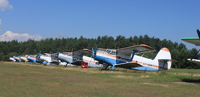Biplans Antonov a l'aeròdrom de Pociūnai