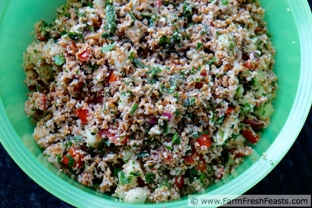 http://www.farmfreshfeasts.com/2015/08/pot-luck-tabbouleh-with-feta-and-how-to.html