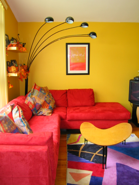 Pretty Bright Small Kitchen Color For Apartment Siguiente Es El Color De La Pared Una Pared Colorida Y Vistosa Puede