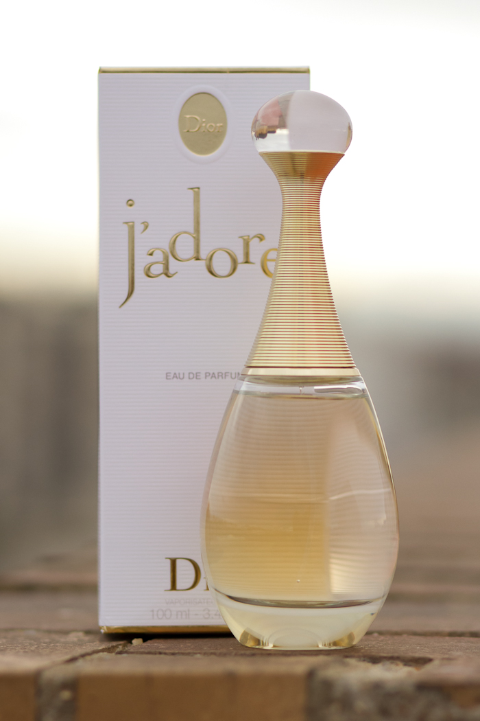 Perfume Favorito de Blogger de moda y belleza valenciana withorwithoutshoes J'ADORE
