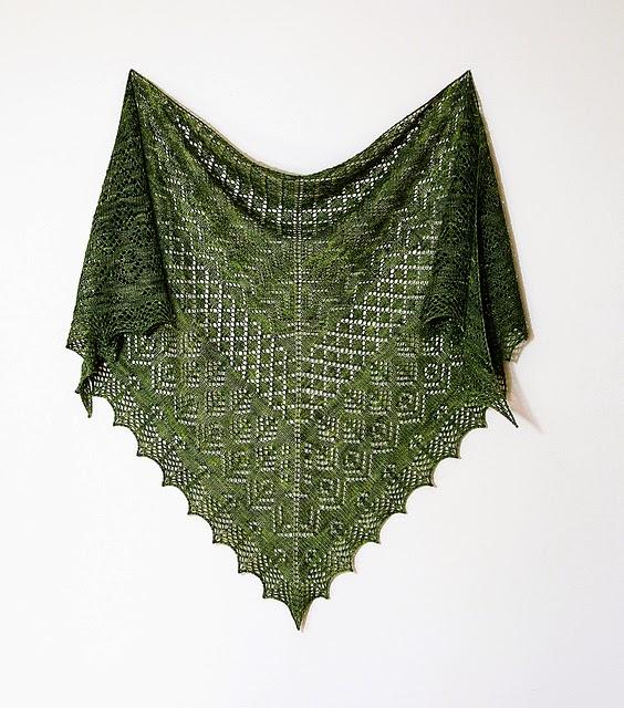 châle-elizabeth-dentelle-shetland-tricot