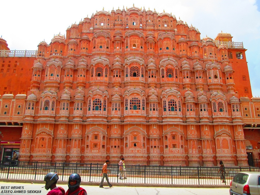 hawa mahal india The hawa mahal, or palace of the winds was constructed, like many intricate screens of the mughal times, to allow women to see the activities men partook in, dancing, shopping, parties, etc, but not be seen.