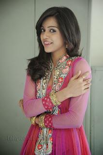Vithika Sheru Gorgeous Pictures Gallery 024