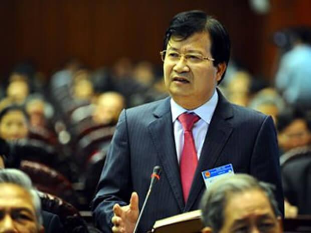 Bộ trưởng Trịnh đình Dũng trả lời chất vấn