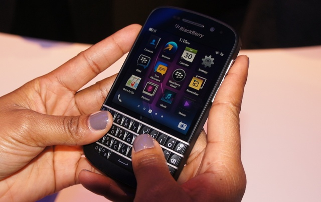 UK Store Reports Selling 'Thousands' of BlackBerry Q10s per Hour