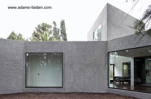 Casa Vignolo residencia minimalista suburbana en Buenos Aires
