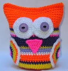 http://amigurumiscosaslinda.wix.com/amigurumis#!owl-amigurumi/c10kn