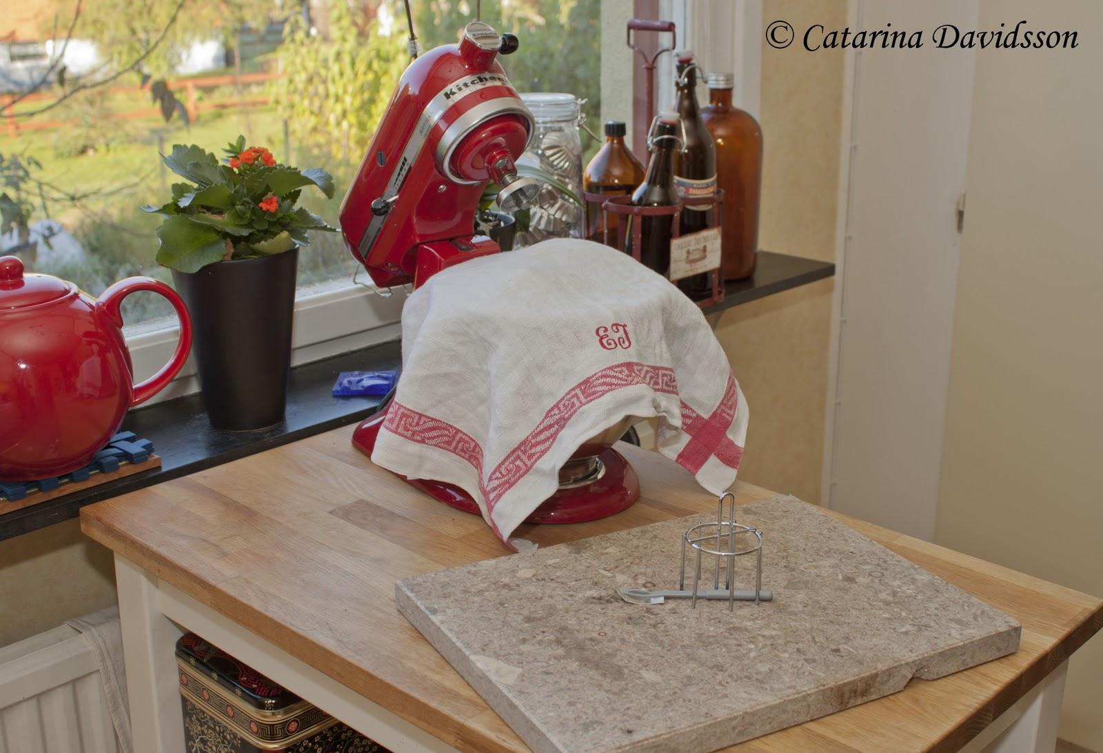 Marmorskiva Koket : KA hjolper mig med det mesta i koket, allt utom de stora