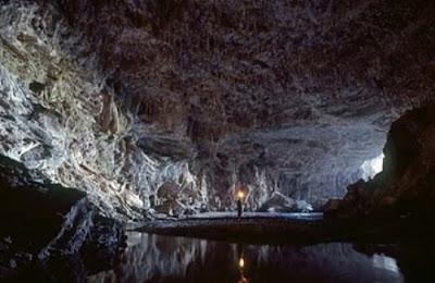 Entrada da Caverna Angélica