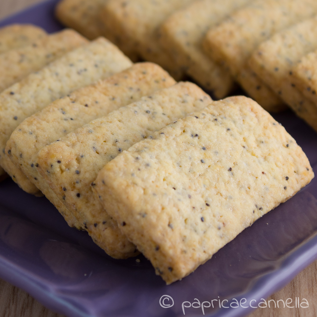 biscotti ai semi di vaniglia e di papavero