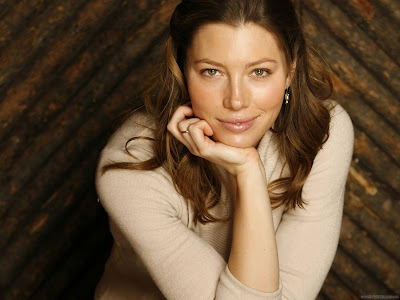 Jessica Biel Hollywood Actress Wallpaper-501-1600x1200