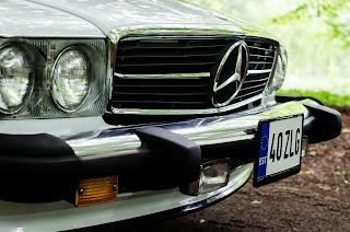 23 Mercedes-Benz 560SL R107 1988