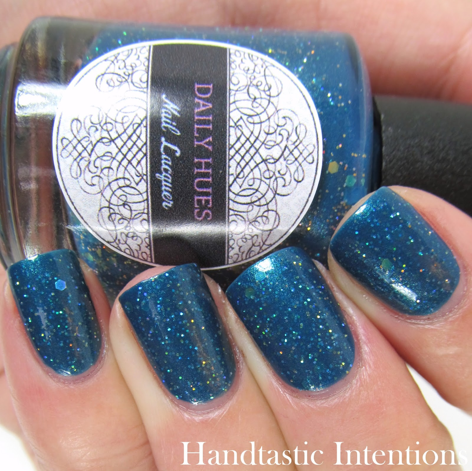 Daily-Hues-Nail-Lacquer-Andrea-Swatch