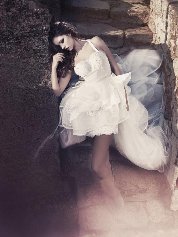 Divinos vestidos de novias   Colección Julia Kontogruni