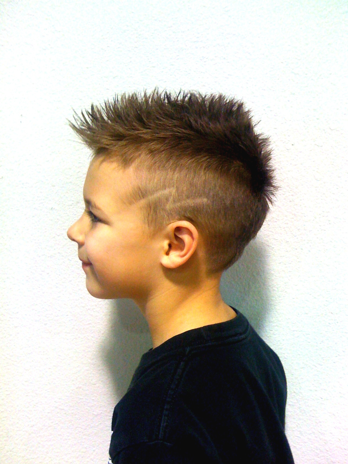 Haircut designs in the back of head