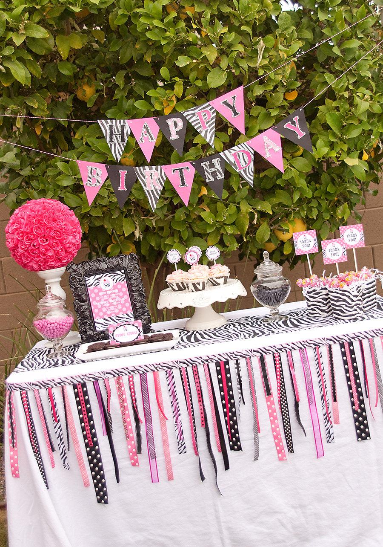 Zebra party decorations party favors ideas for Decoration zebre