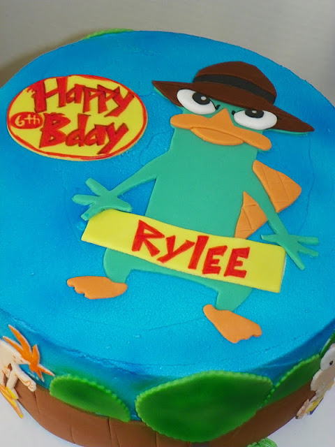 Plumeria Cake Studio: Phineas and Ferb Backyard Birthday Cake
