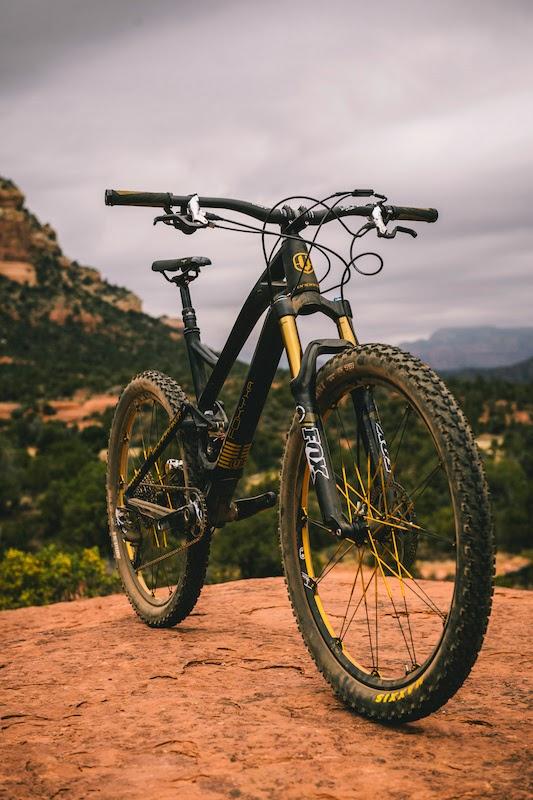 Bike News, Carbon Mountain Bike, Look Closer, Report, mondraker foxy xr carbon
