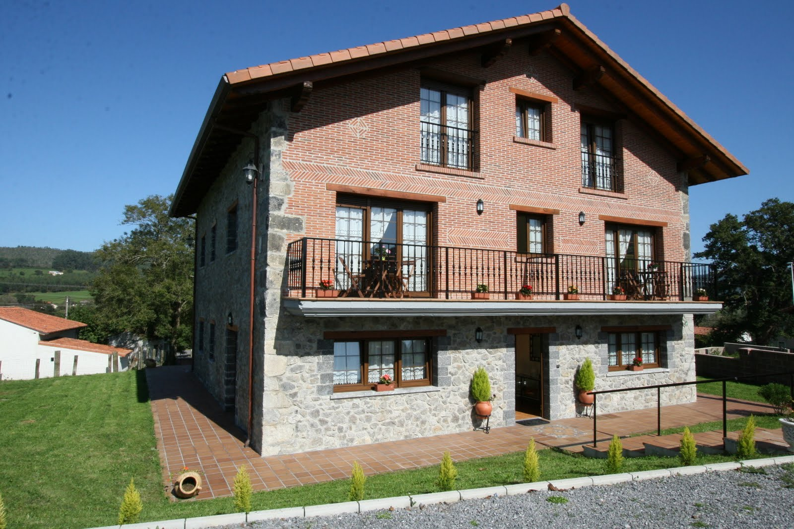 Apartamentos rurales toraya un lugar para el descanso for Apartamentos toraya cantabria