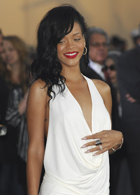rihanna at battles premiere hot images