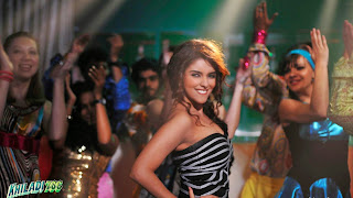 Asin Thottumkal in khiladi 786 pictures dance wallpapers