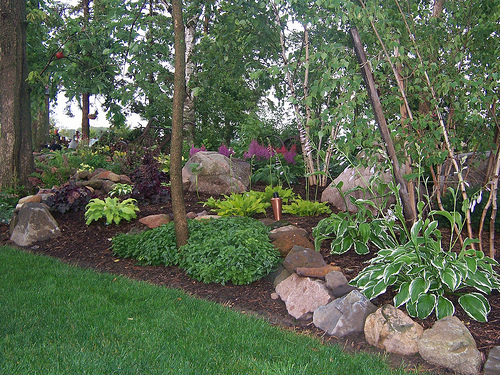 100 natural hardwood mulch shade gardens for Hillside rock garden designs