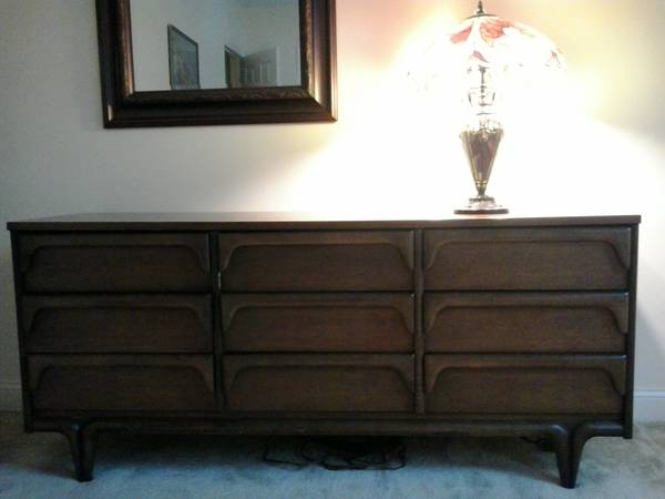 Nice FINAL REDUCTION Solid Wood Espresso Drawer Dresser http boston craigslist org gbs fuo html
