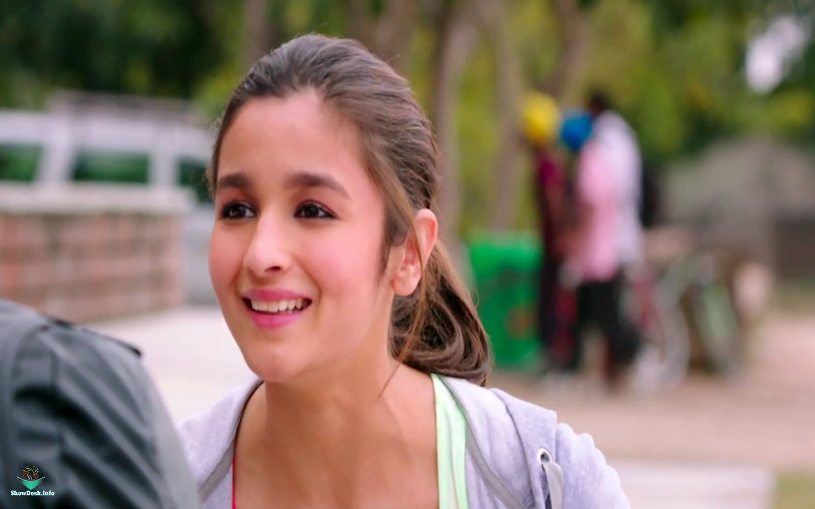 alia bhatt in humpty sharma ki dulhania wallpapers - Humpty Sharma Ki Dulhania wallpapers GlamSham