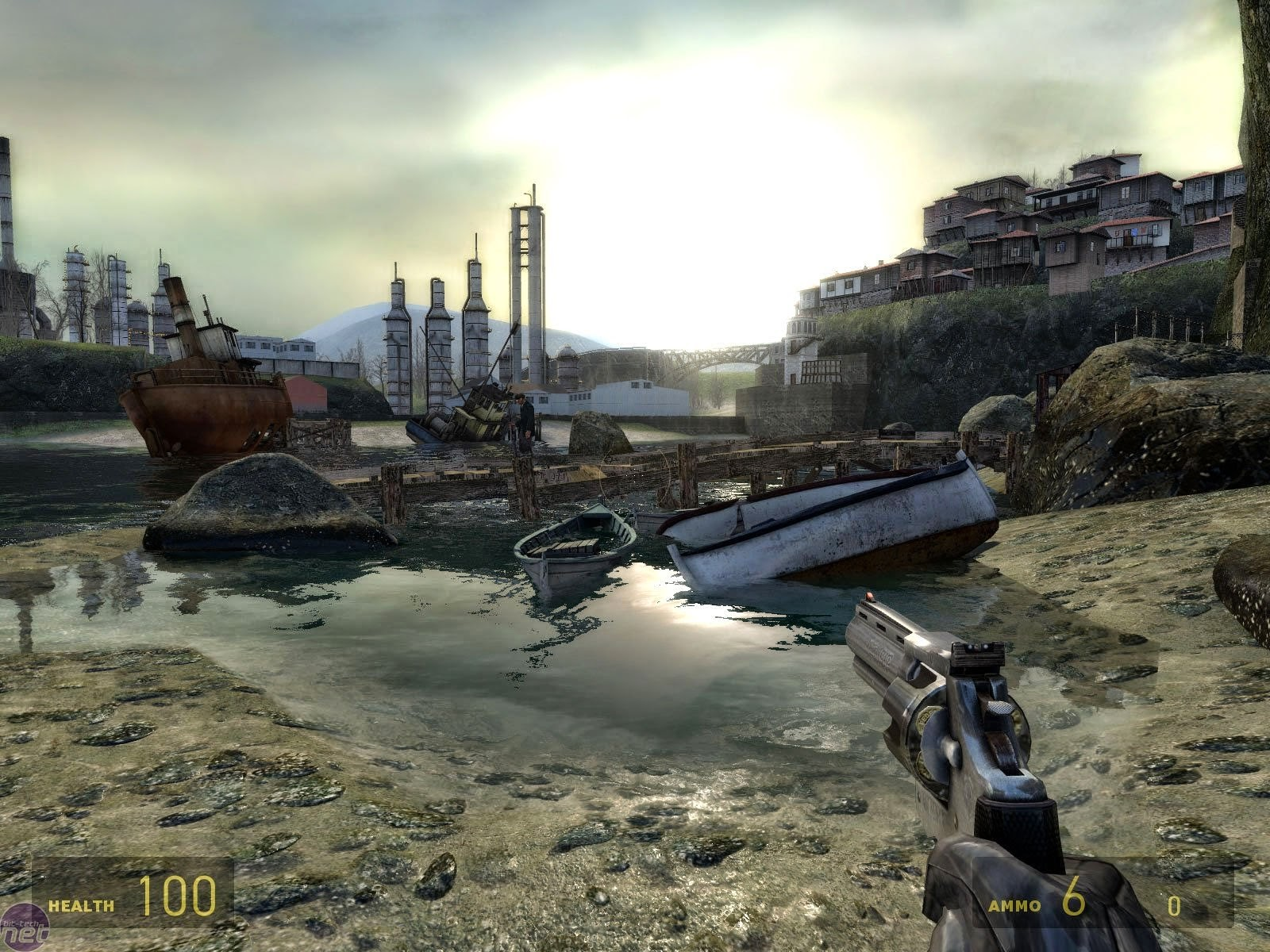 http://www.freesoftwarecrack.com/2014/06/half-life-2-android-game-apk-data-download.html