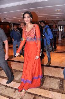 Farhan & Sonam Kapoor promote 'Bhaag Milkha Bhaag'- The Movie is already hit on the screen