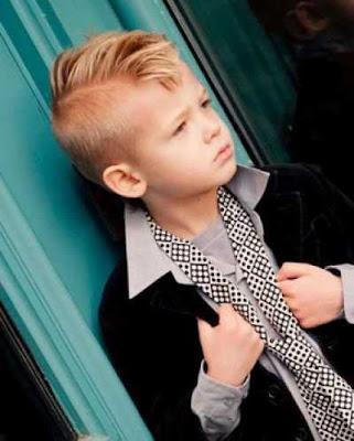 model rambut undercut untuk anak laki-laki dengan belahan samping 2980214