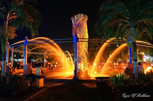 Taman Bekapai di Malam Hari