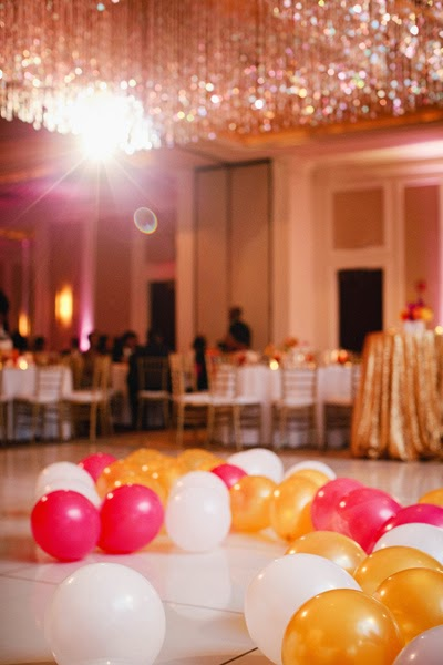 Fun 39 n 39 frolic 5 diy balloon decoration ideas without helium for Balloon dance floor decoration