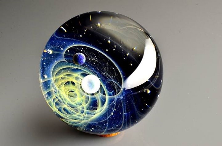 Space Glass: Handmade Planets And Galaxies Captured In Small Glass Pendants