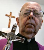 gabriel amorth dice joven fue secuestrada por el vaticano para fiestas sexuales