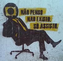 Eleitores brasileiros no big brother para escolher deputado.