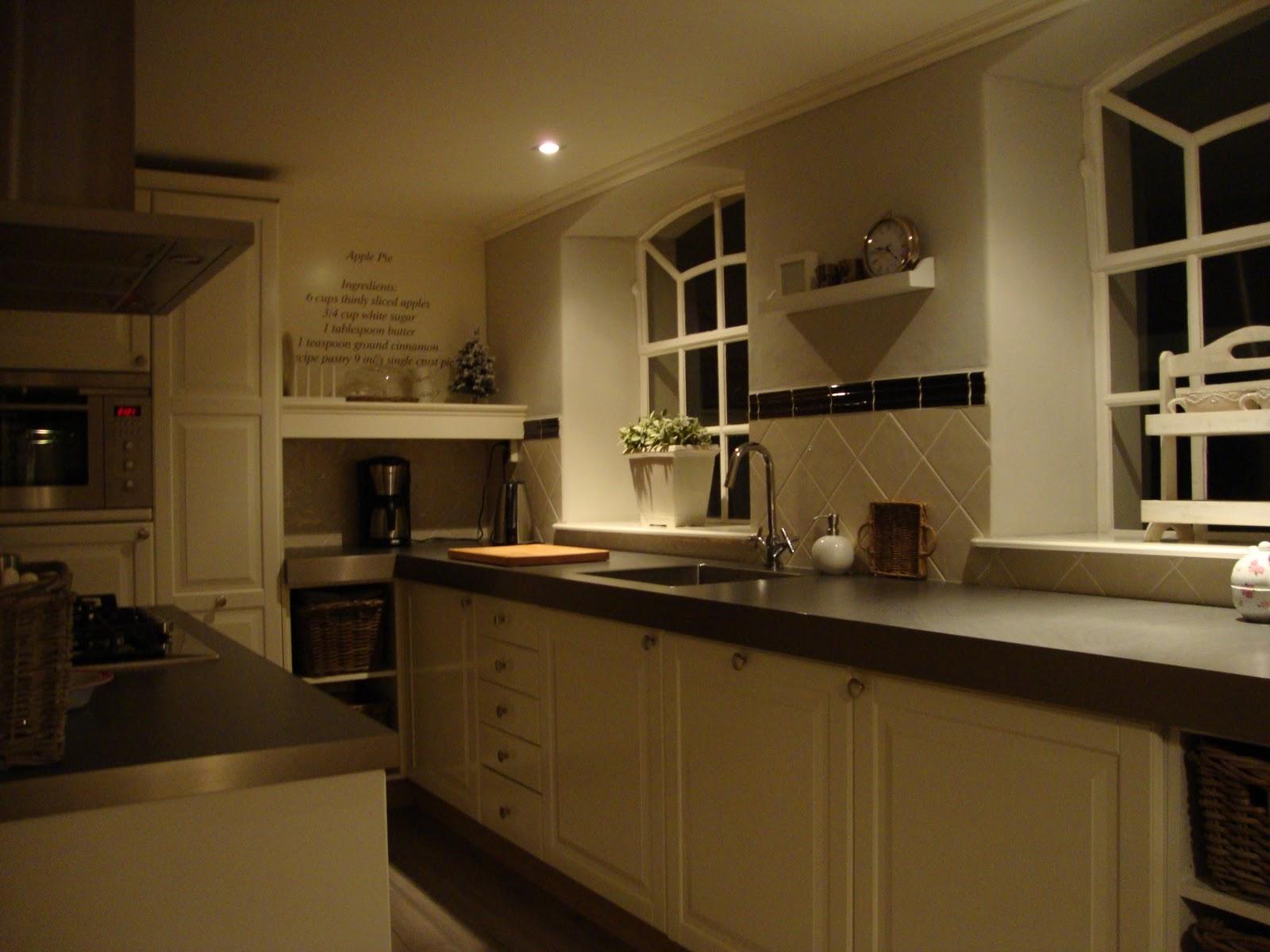 Landelijk wonen landelijk wonen comfortabel zitten op de klepbank - Keuken decoratie ideeen ...